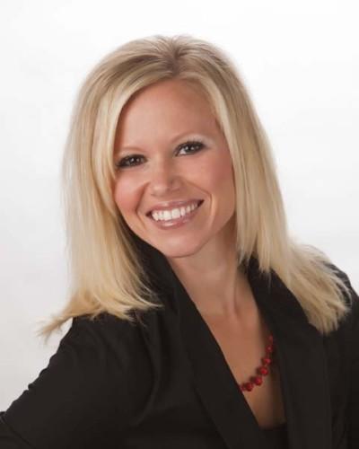 Portrait Photo of Doctor Amanda Borre