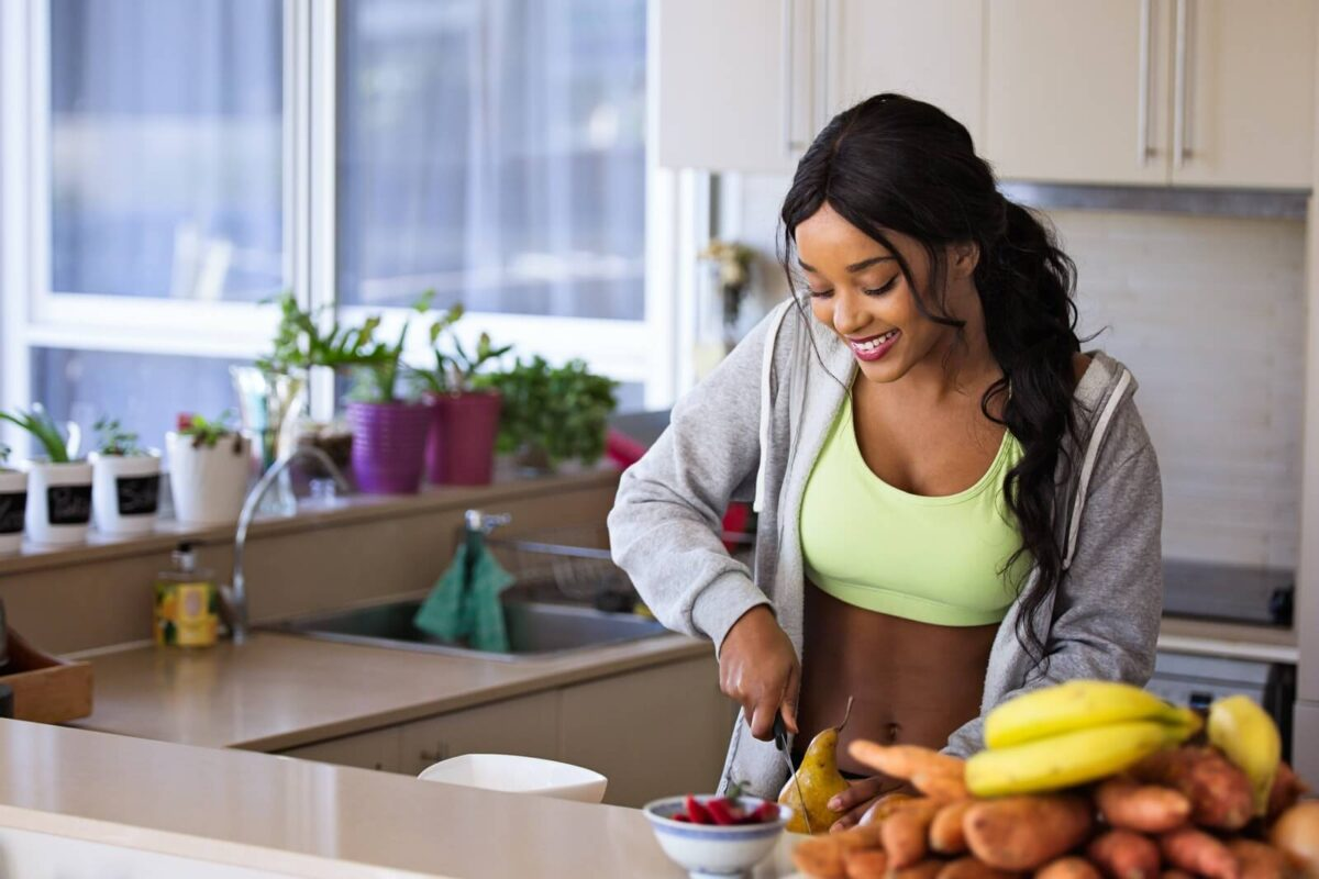 woman-prepares-low-calorie-snack-1200x800.jpg